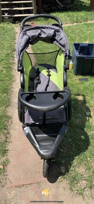 Baby trend jogger stroller for Sale in Minneapolis, MN