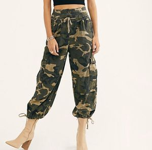 Free people camo pants for Sale in Fort Lauderdale, FL