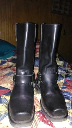 Men's milwaukee riding leather boots. Size 6 for Sale in Abilene,  TX