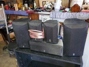 Yamaha surround sound speaker set for Sale in Julian, NC