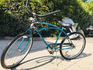 BEACH CRUISER BICYCLE WITH BASKET READY TO GO ! for Sale in Covina, CA
