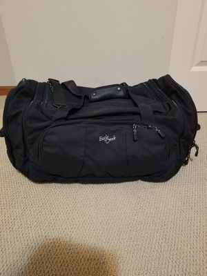Eagle creek Large cargo hauler duffle bag like new condition. for Sale in Renton, WA