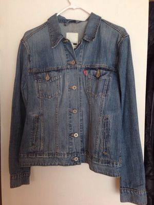 New Levis denim jacket size L for Sale in Alexandria, VA