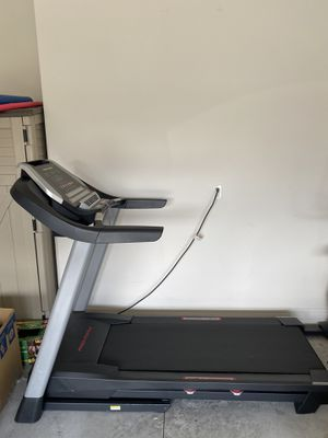 Pro form treadmill 400c for Sale in Kissimmee, FL