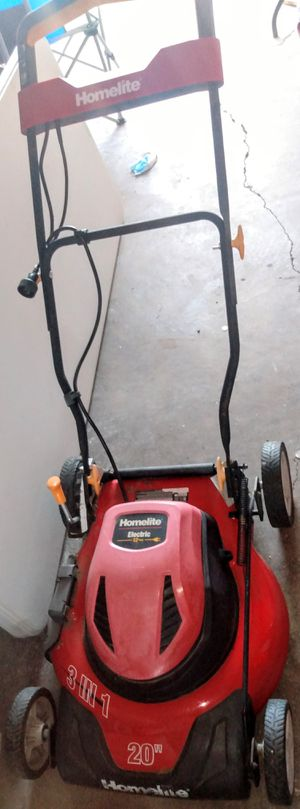 "$65 ""LawnMower (Electric) HOMETLITE 20"""" PERFECT CONDITION/GREAT OFFER ONE YOU CAN NOT PASS UP! for Sale in Grand Prairie, TX"