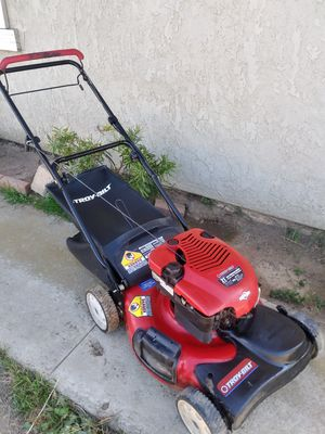 🌾6.75 hp Troy-Bilt gas lawn mower for Sale in Perris, CA