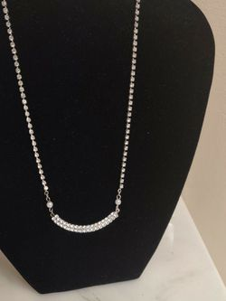 """16"""" Clear Stoned Necklace With Two Pearls for Sale in St. Louis,  MO"""