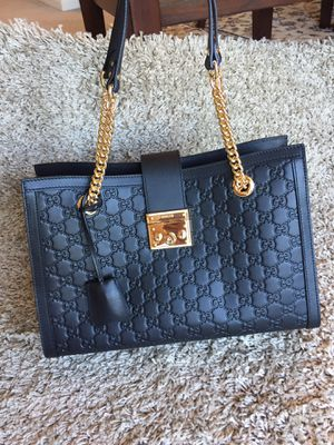 Gucci Leather Shoulder Bag Purse Handbag Tote for Sale in Naperville, IL