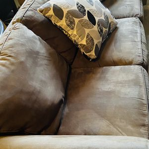 Clean Pet Free Couch for Sale in Bonney Lake, WA