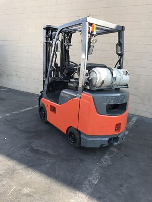 Forklift Toyota for Sale in Santa Fe Springs, CA