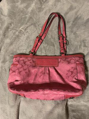 Coach Signature pink canvas 11x8x4.5 FIRM on price for Sale in Henderson, NV