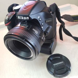 Nikon D3200 with Yongnuo 50mm Lens + Battery grip + 2 Batteries & Charger for Sale in Vallejo, CA