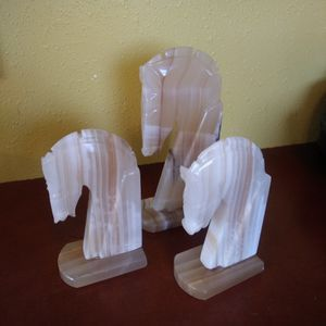 Horse Carved Onyx Book Holders for Sale in Albion, IA