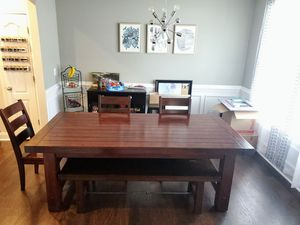 Dining room table with bench/chairs for Sale in Brentwood, NC