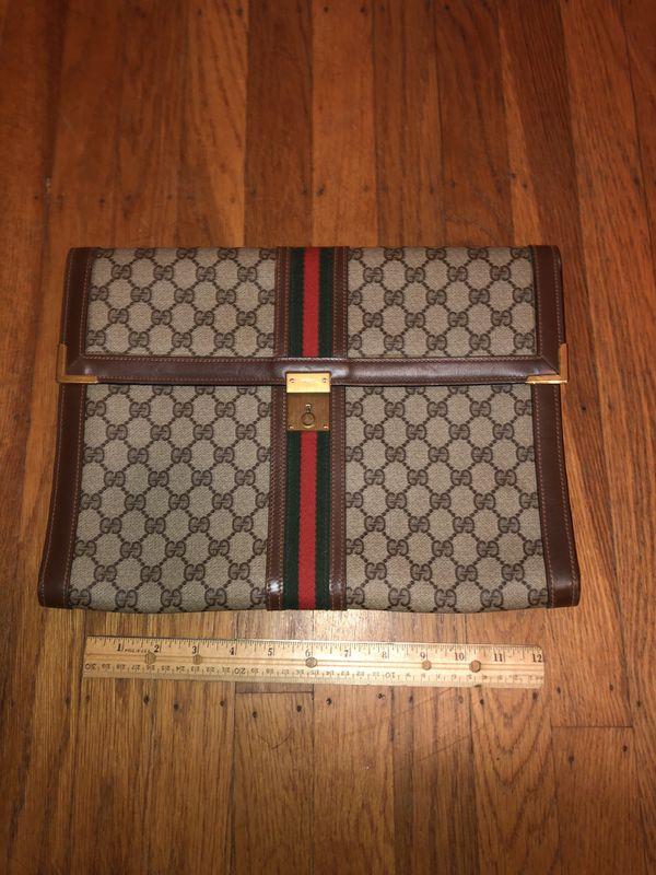 Gucci Folder *AUTHENTIC* can lock