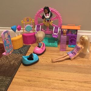 Barbie Carnival Set With 1 Dog 3 Dolls And Dog Playset for Sale in Lakewood, CA