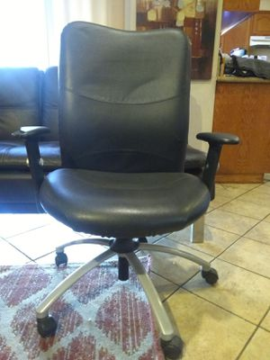 Black Office Chair for Sale in Hacienda Heights, CA