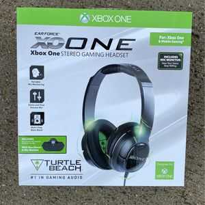 Xo one xbox one headset for Sale in Ramona, CA