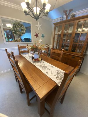 Modern Rustic Dining table & hutch for Sale in Wilkeson, WA