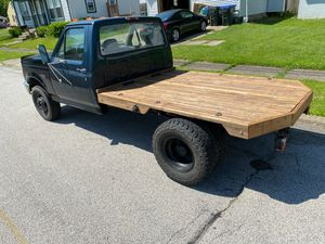 Ford F350 Dually Flatbed for Sale in Cuyahoga Falls, OH