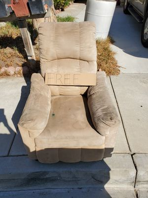 Free gratis for Sale in Fontana, CA