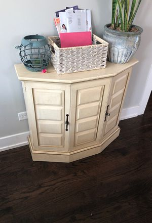 Console table for Sale in Chicago, IL