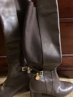 Michael Kors Brown Boots Size 7M for Sale in Whittier,  CA