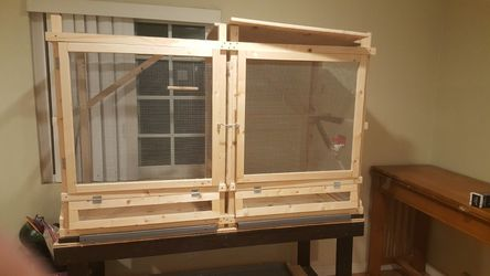 Small Animal Cage/table for Sale in Camarillo,  CA