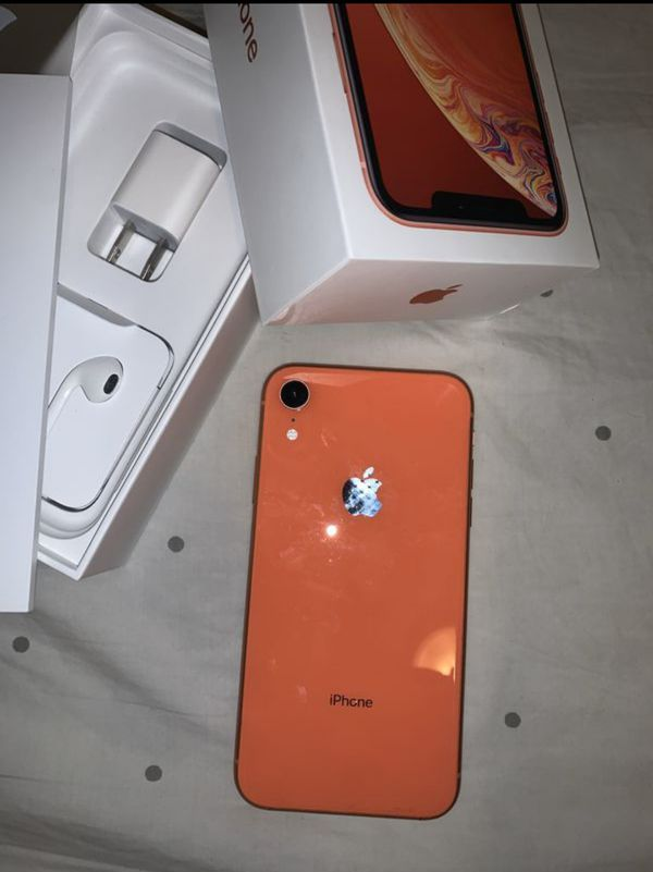 """iPhone XR 64GB FACTORY UNLOCKED"""" Like new with warranty"""