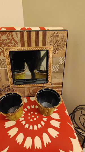 flower pots set with picture for Sale in Cleveland, OH