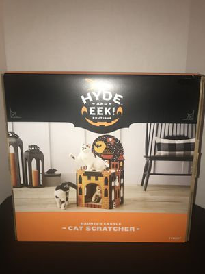 Haunted Castle Double Decker Cat Scratcher Halloween Hyde And Eek BRAND NEW for Sale in Miami, FL