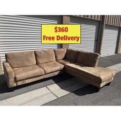 Brown Sectional Couch with Free Delivery for Sale in Las Vegas,  NV