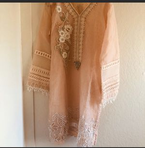 Pakistani brand new ladies party dress size large for Sale in El Cerrito, CA