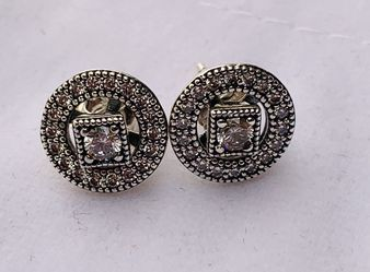 Pandora earrings for Sale in Haines City,  FL