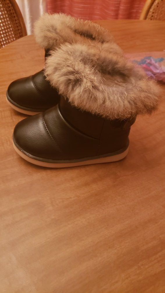 Boots black for girls size 9