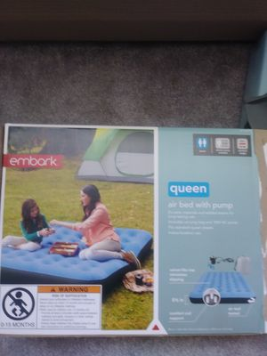 Queen single air mattress like new for Sale in Cleveland, OH