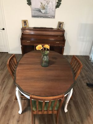 Dining room table for Sale in Winter Springs, FL