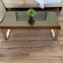 Glass Coffee Table for Sale in Orlando,  FL