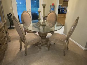 Formal glass top dinning room table and chairs for Sale in LXHTCHEE GRVS, FL