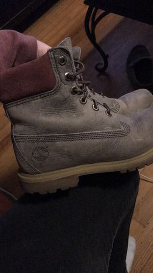 Size 8 women's timberland boots for Sale in Denver, CO