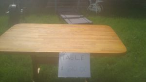 Kitchen table for Sale in Mooresville, IN