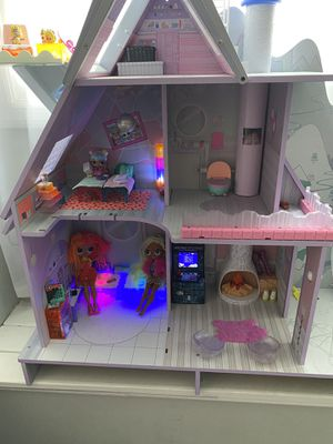 LOL Disco Dollhouse for Sale in Roselle, IL