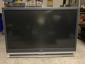 FREE LCD SONY Rear Projection TV for Sale in Pompano Beach, FL
