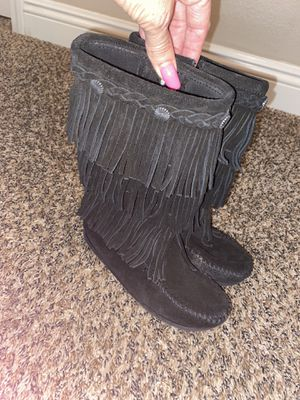Kids size 13 Minnetonka boot moccasins for Sale in San Jacinto, CA