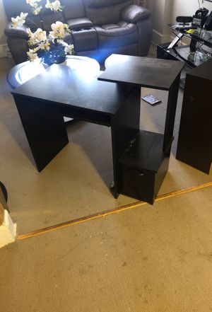 Computer desk for Sale in Wilkes-Barre, PA