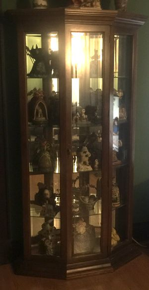 Beveled glass Curio Cabinet for Sale in Baltimore, MD