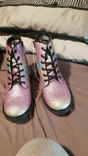Girls boots size 6 for Sale in Chicopee, MA