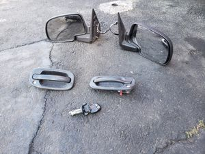 01 Chevy or gmc parts for Sale in Long Beach, CA