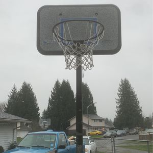 Basketball Hoop for Sale in Puyallup, WA