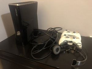 Xbox 360 console bundle with 2 perfect working remotes that comes with two chargers and 10 games 160$ for Sale in Pennsauken Township, NJ